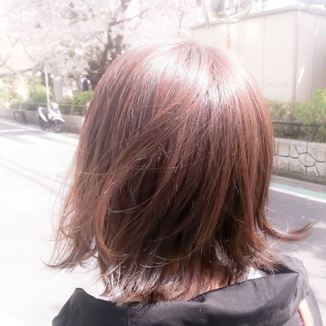 美容師あるある。いい感じにカットカラーして、キレイにセットして、お見送り→風強くてバッッてなる。#藤沢#美容室#アナザードア#カラー#髪型#ヘアスタイル#風#2018#春
